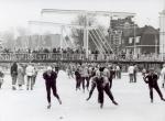 1963 Elfstedentocht Singelbrug.jpg