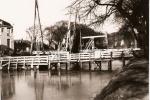 1960 noodbrug voor Oosterbrug.jpg